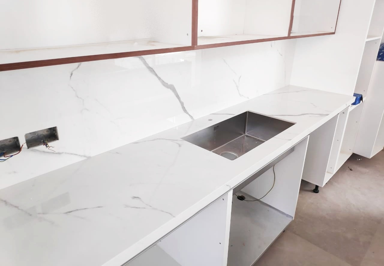 Bianco Venato porcelanato kitchen